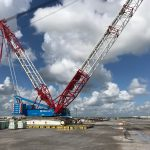 Roll-Lift Crane on Crane Outrigger Pads